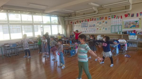 い ば キラキラ ダンス
